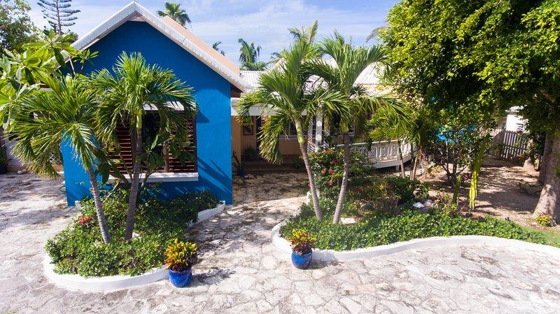 Welcome - 3 bedroom private villa.