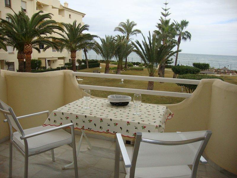 Lovely sea views 1st floor Las Mimosas Dosul, holiday rental in La Cala de Mijas