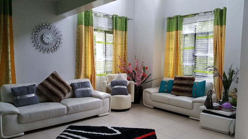 Cozy & Spacious Vacation Rental near Tagaytay, vacation rental in General Trias