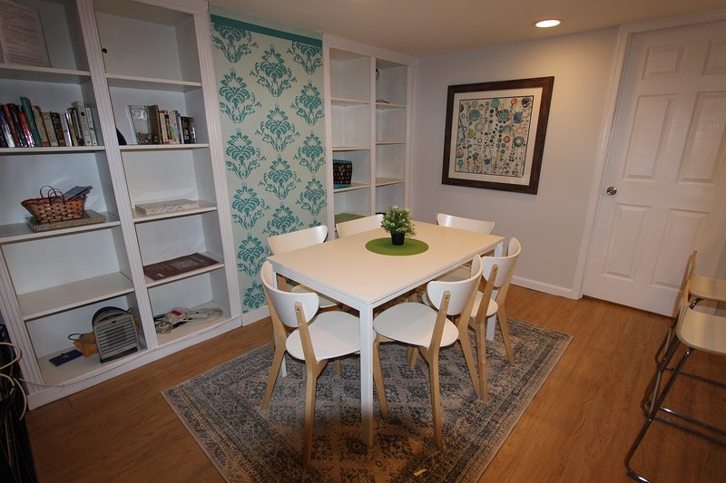 Walkers Paradise in Adams Morgan, DC! 1 BR, vacation rental in Suitland