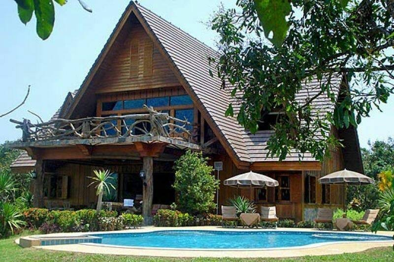 Magnificent Mountain View Villa with Pool, holiday rental in Chiang Dao