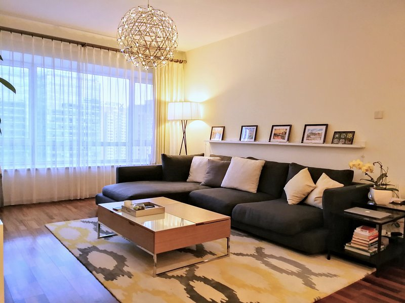 Luxuriously Modern 2bd 2ba in the heart of CBD Beijing, Ferienwohnung in Peking