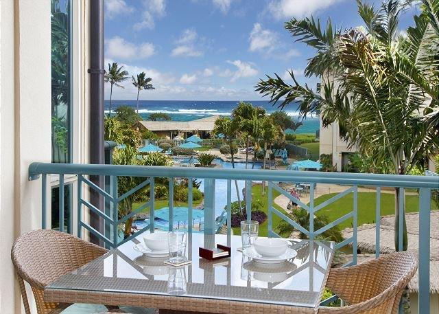 OCEAN & POOL VIEW SUITE D304 **AC** Resort Pool & Restaurant, vacation rental in Kapaa