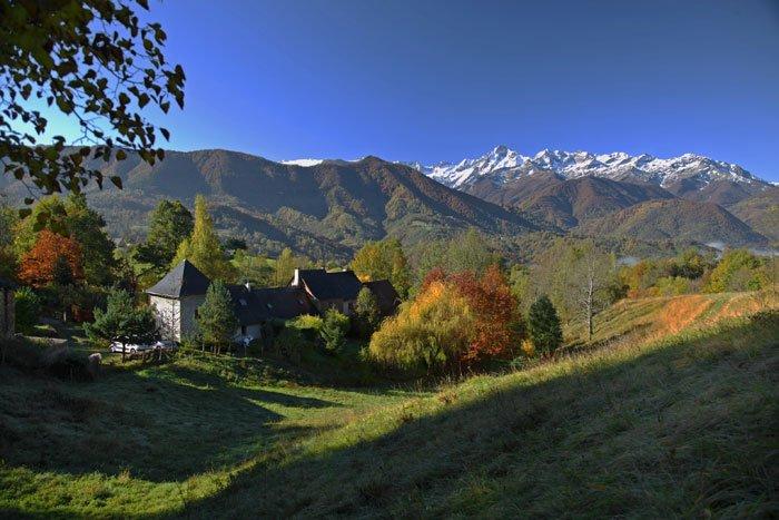 Un petit coin de paradis  avec vue panoramique sur le Mont Valier 2838 m, holiday rental in Guzet Neige
