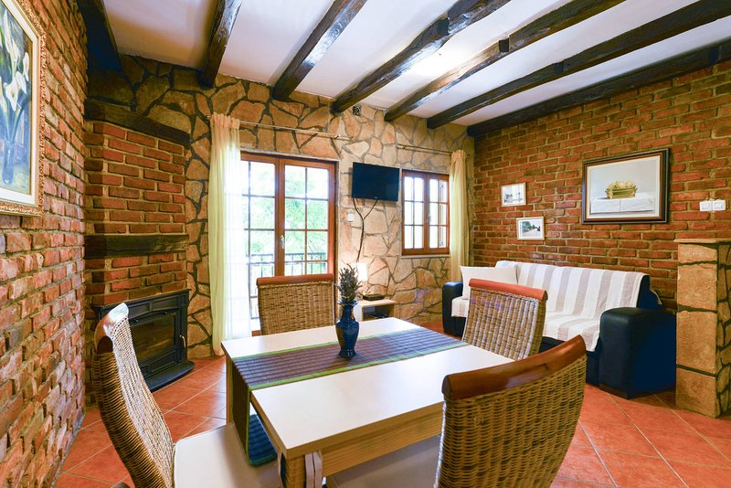 Villa Steffany - Apartment 10, casa vacanza a Kolan