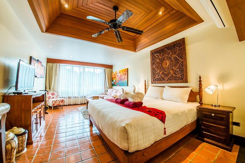 Bedroom with King bed En Suite