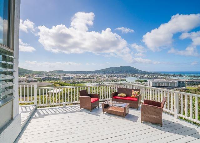 Hawaii Kai Dream | Big Lanai, Epic Ocean Views, Home Office | Near Beaches, holiday rental in Oahu