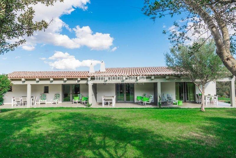 Podere Spartaco,San Pantaleo boutique appartment 4, location de vacances à San Pantaleo