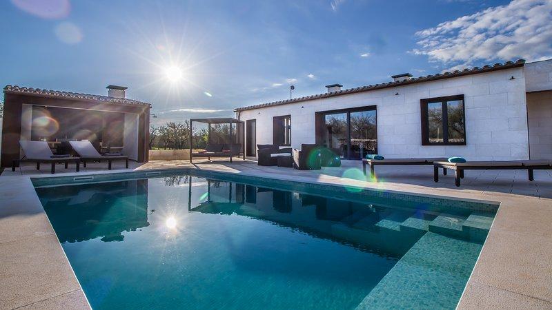 Villa Ses Nines, piscina y naturaleza, Ferienwohnung in Santa Margalida