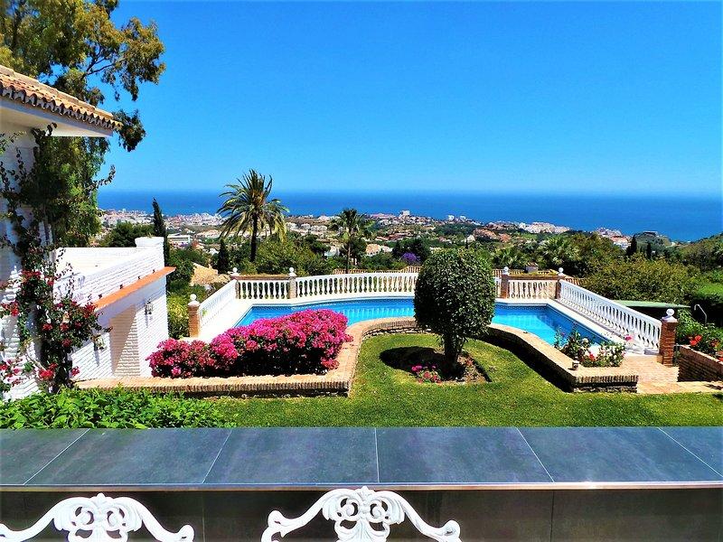 une vue incroyable de toutes les chambres et terrasses de la maison