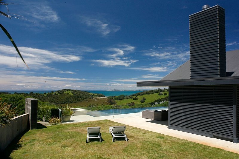 Te Muri Ridge Luxury Retreat, holiday rental in Auckland