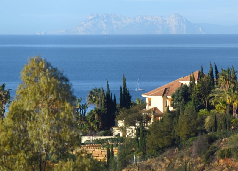 Villa del Gato is on an inland bluff with panoramic views to the Mediterranean, Marbella and Morocco