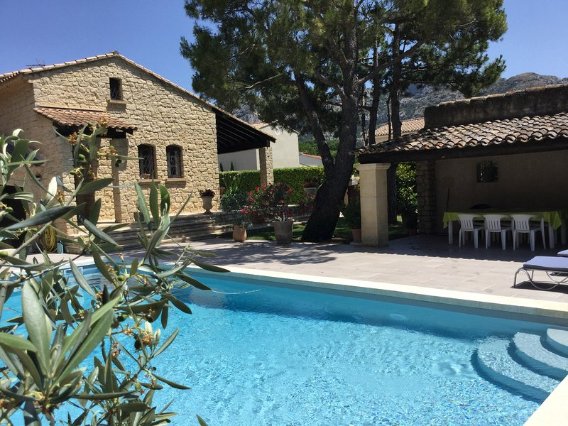 LS2-281 OURATORI Beautiful vacation rental with a private swimming pool, 6 pers, holiday rental in Taillades