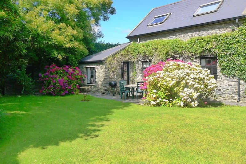 Rock Cottage West Cork nr Schull & Goleen on the Wild Atlantic Way, alquiler de vacaciones en Crookhaven