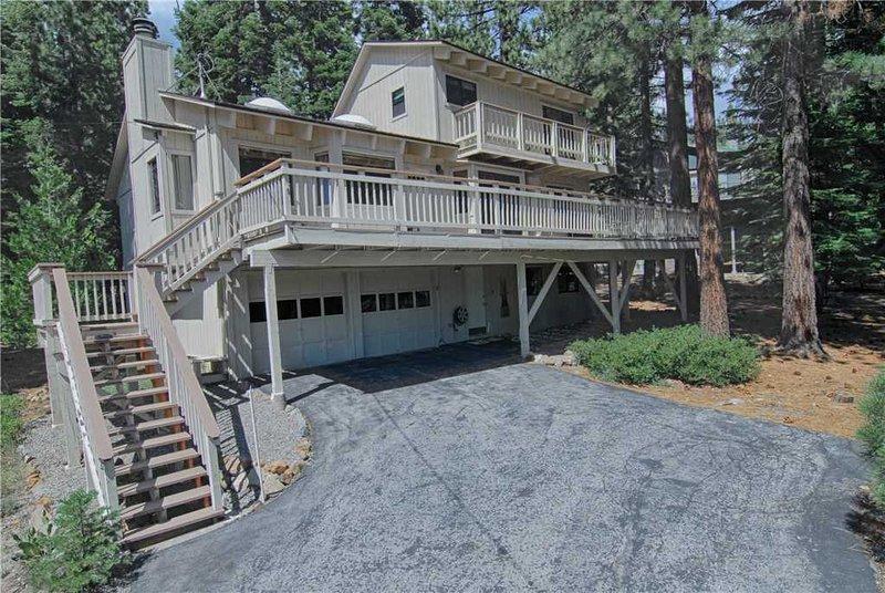 Deck,Porch,Building,Cottage,High Rise