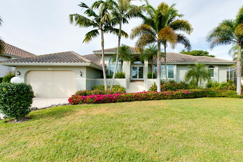 1238 Parview - 3 Bedroom Pool on the Golf Course, holiday rental in Sanibel Island