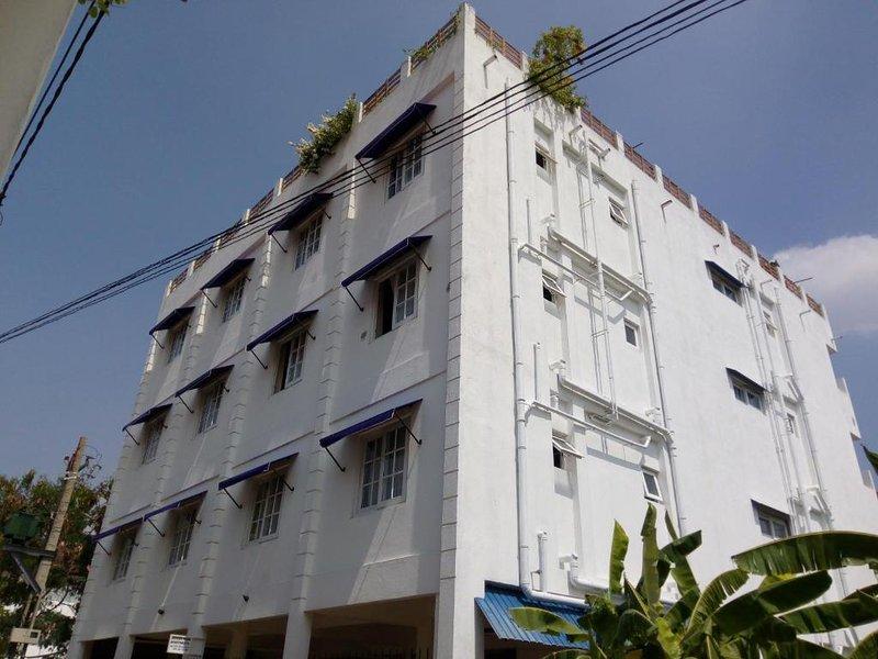 Queens Park Apartments -(3D), holiday rental in Battaramulla
