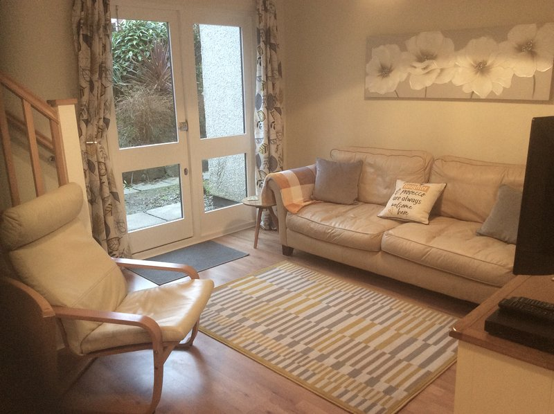 Refurbished Privately owned 3 bedroom home on J.Fowler holiday site., alquiler vacacional en Hayle