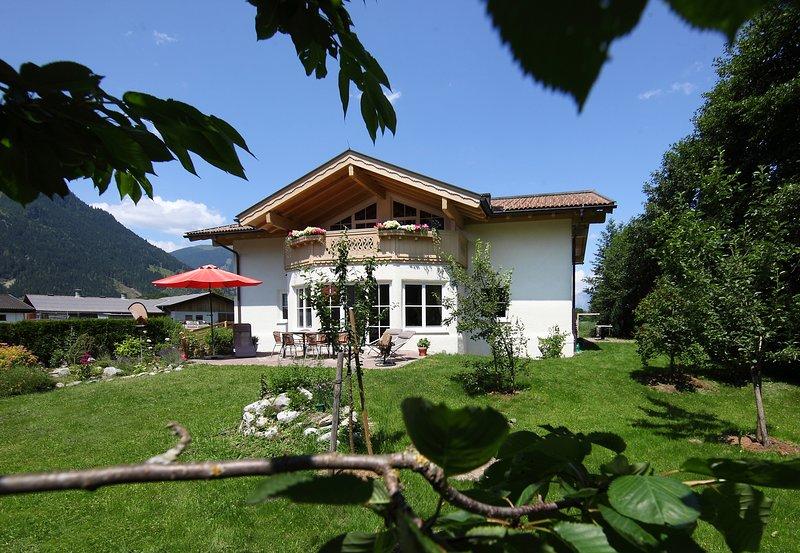 Landhaus Elina-Traumlage-Ruhelage-Seenähe-Skibusnähe, alquiler vacacional en Thumersbach