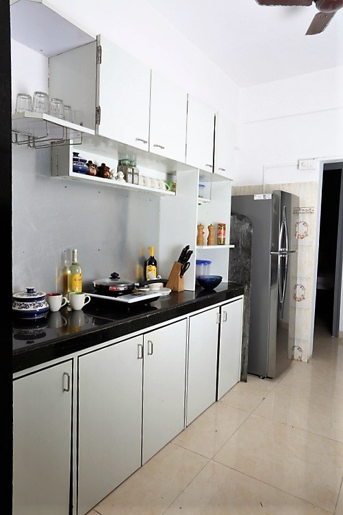 Fully functional kitchen with all appliances to whip up something delicious
