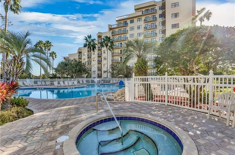 RESORT STYLE LIVING! CLOSE TO ALL ATTRACTIONS!