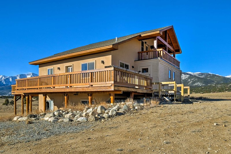 This majestic 5-bedroom, 4-bath vacation rental home is perfect for your next Buena Vista retreat!