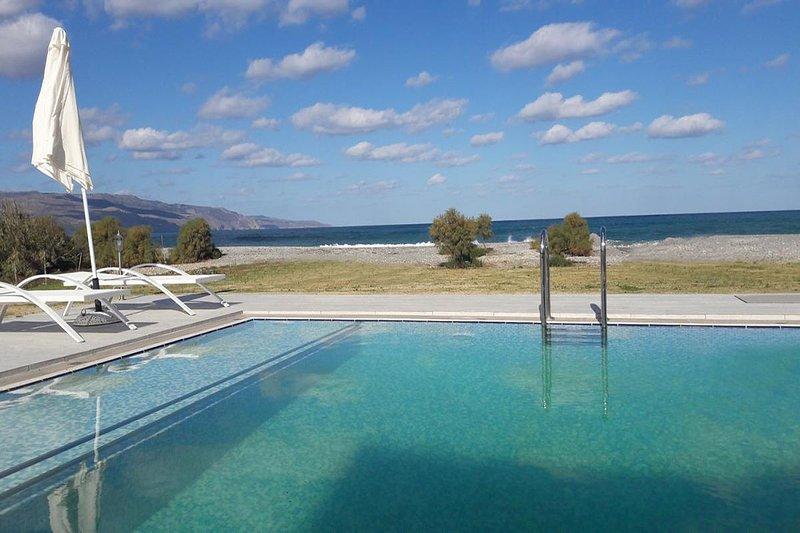 Tavronitis Beach Front Villa, location de vacances à Tavronitis