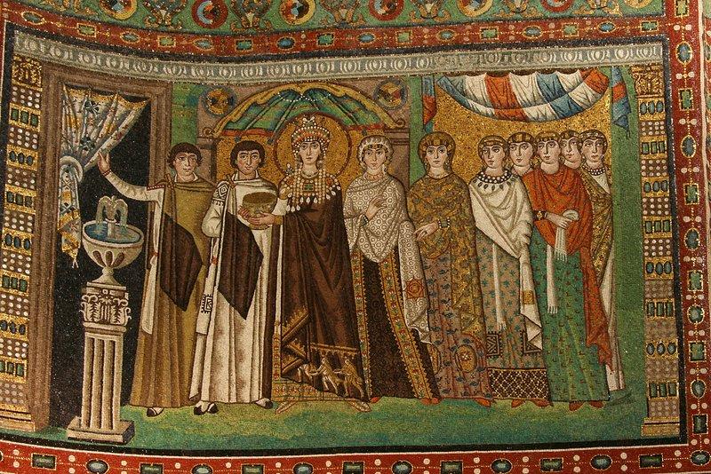 Ravenna (40 km) - mosaico del siglo IV-V Teodosia