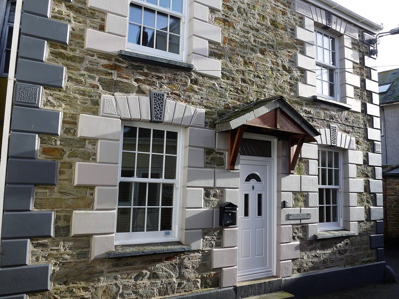 Chapel Cottage, Lovely 3 Bed Family Friendly 2 Minute Walk to Village, Free WIFI, casa vacanza a Mevagissey