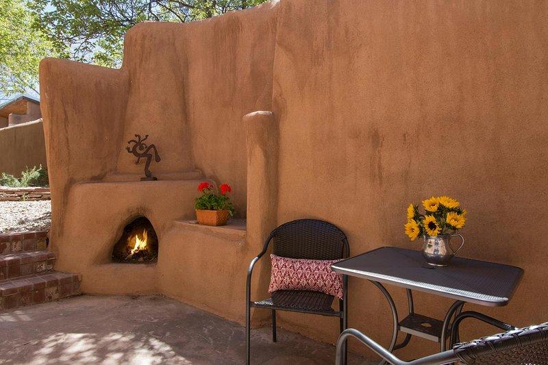 Um pátio privado para contemplar belas memórias de Santa Fe.