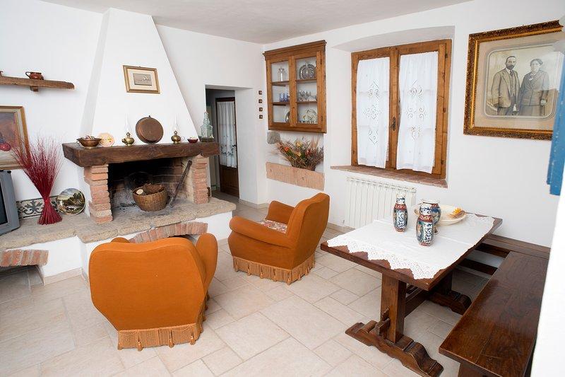Tognazzi Casa Vacanze - Casa Ailantus, alquiler de vacaciones en Montalcinello