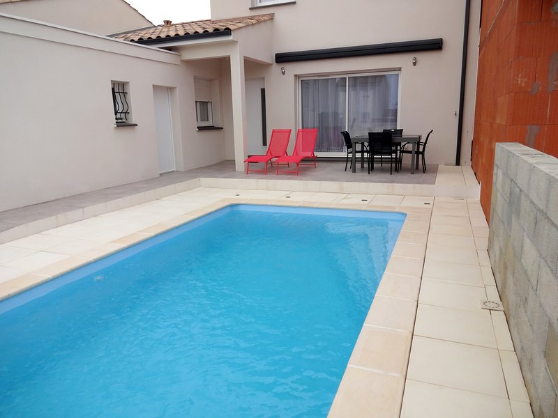 Nice property near the beach, holiday rental in Serignan