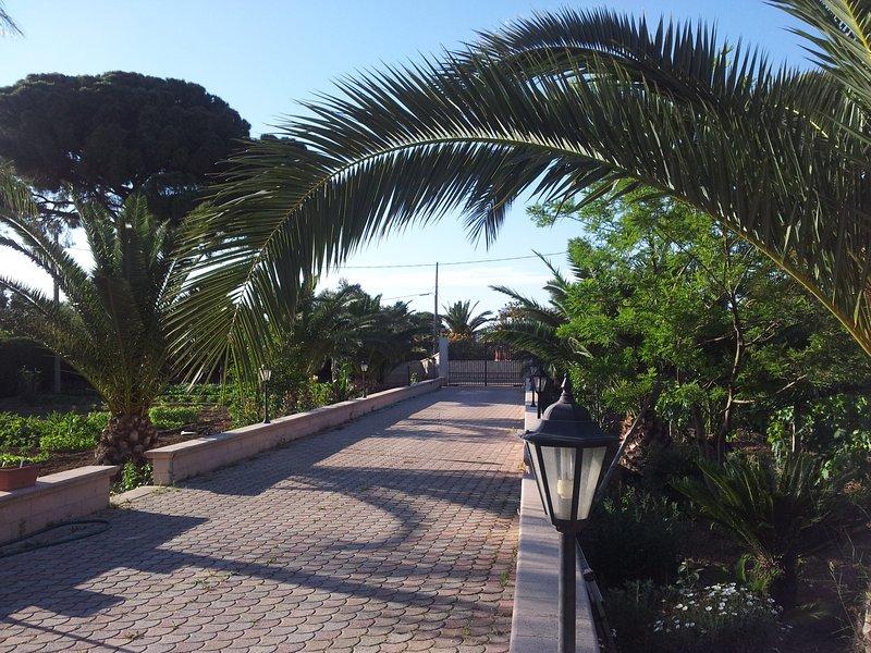 Villa rodeada de naturaleza, paz y tranquilidad asegurada! A sólo 12 km de las playas de Gallipoli (LE)
