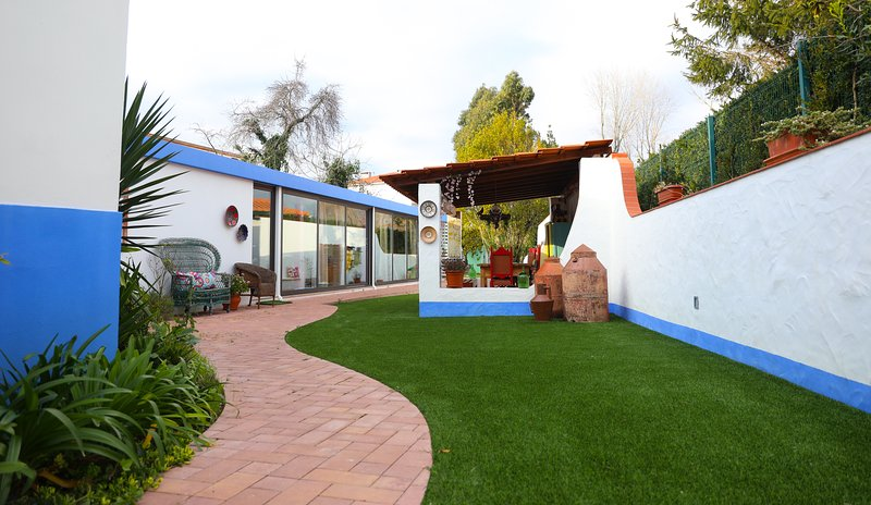 Spacious house with garden & Wifi, holiday rental in Cortes