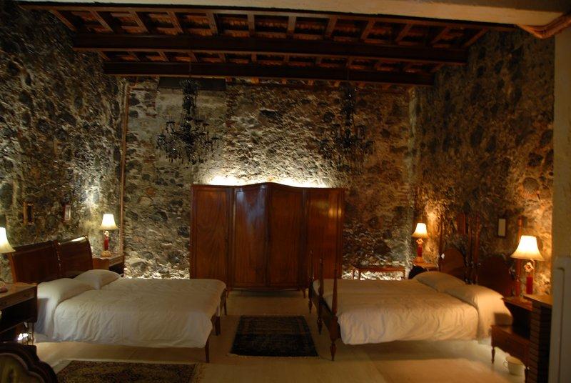 Bedroom indirect lighting