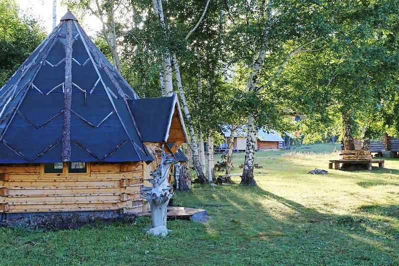 Guesthouse Yasnaya Polyana - Owl Traditional Hut, aluguéis de temporada em Cazaquistão