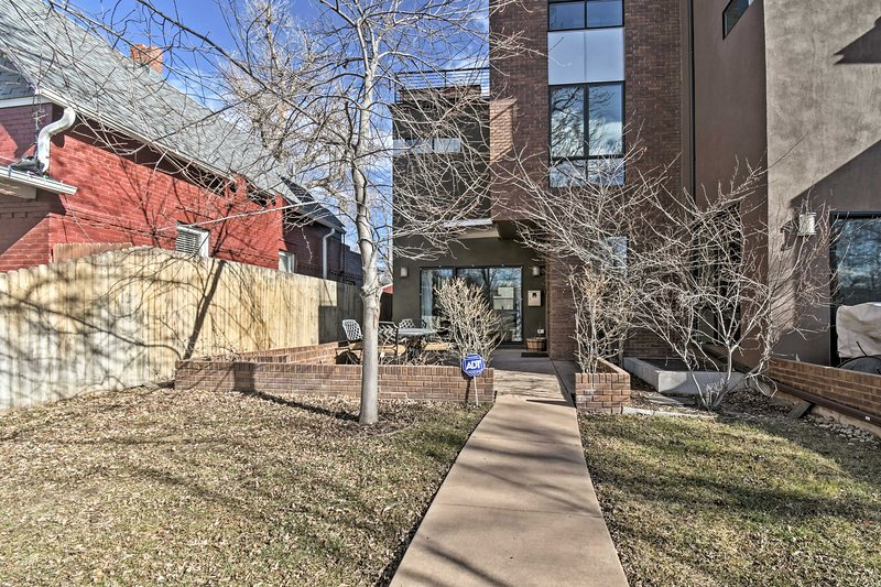 Denver Home W/ Rooftop Deck & Mountain/City Views! UPDATED