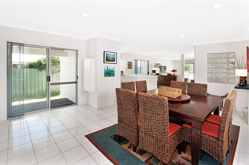 Busselton Beach House with WIFI, vacation rental in Margaret River Region