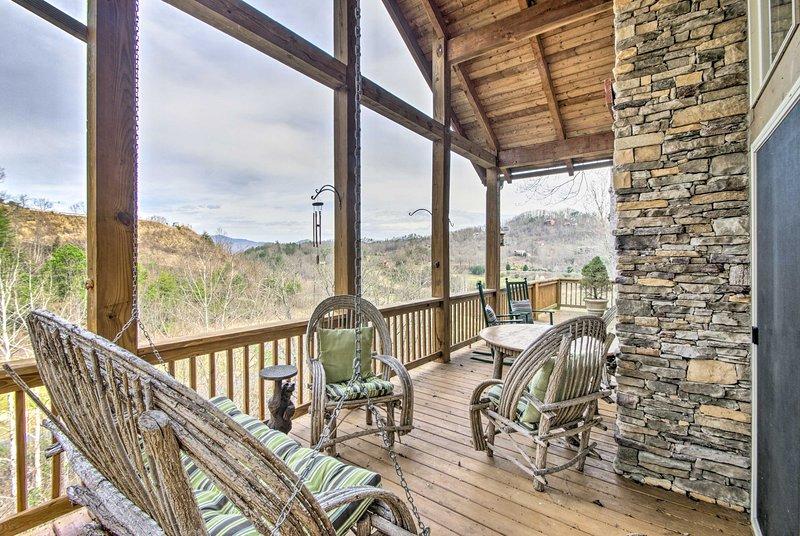 Flucht in den Smoky Mountains in diesem 2-Bett, 2-Bad Ferienmieteigentumswohnung.