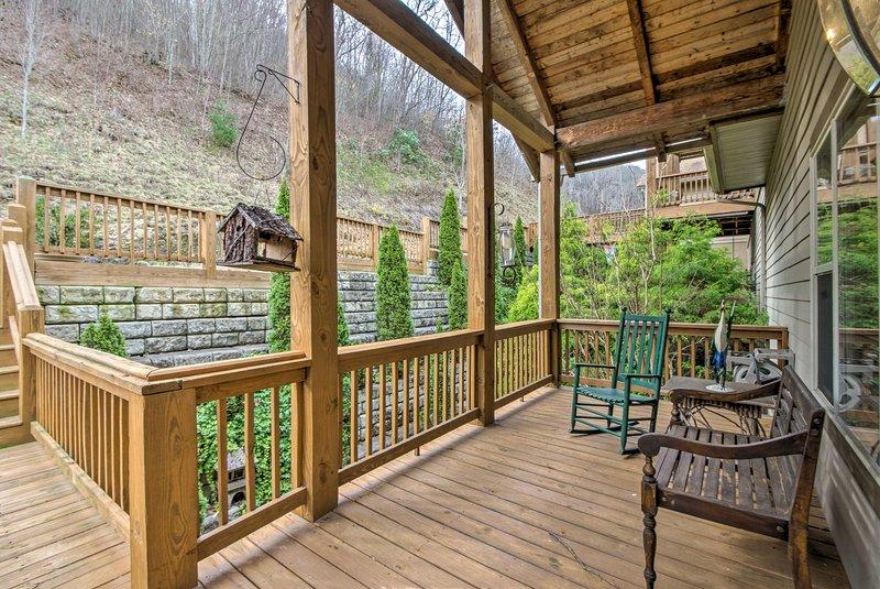Diese wunderschöne Wohnung verfügt über 2 Decks für die ultimative Entspannung.