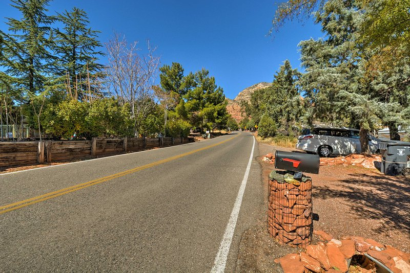 Enjoy an easy drive into uptown Sedona and explore all the cultural attractions.