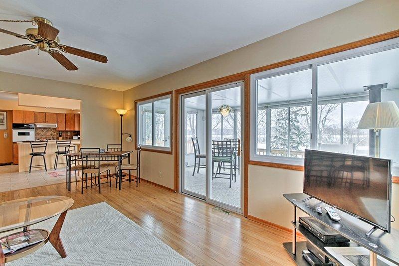 Votre escapade Onalaska commence à ce 3 chambres, maison de location de vacances 2-bain!