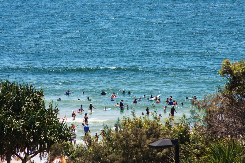 Pacific Towers Unit 4, 19 Ormonde Tce Kings Beach, holiday rental in Caloundra