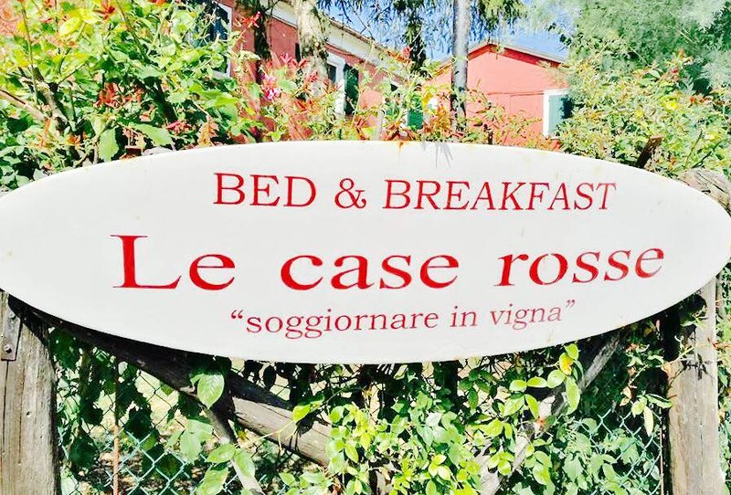 BB LE CASE ROSSE, vacation rental in Pietracuta