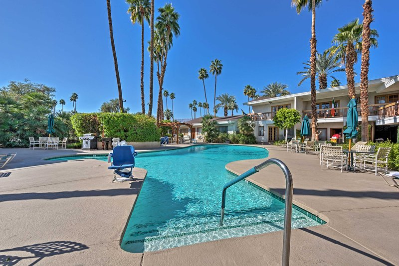 This wonderful suite is a treat in the heart of Palm Desert!
