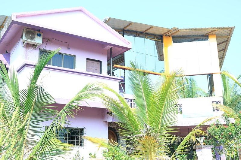 SABERA RESIDENCY, holiday rental in Lanja