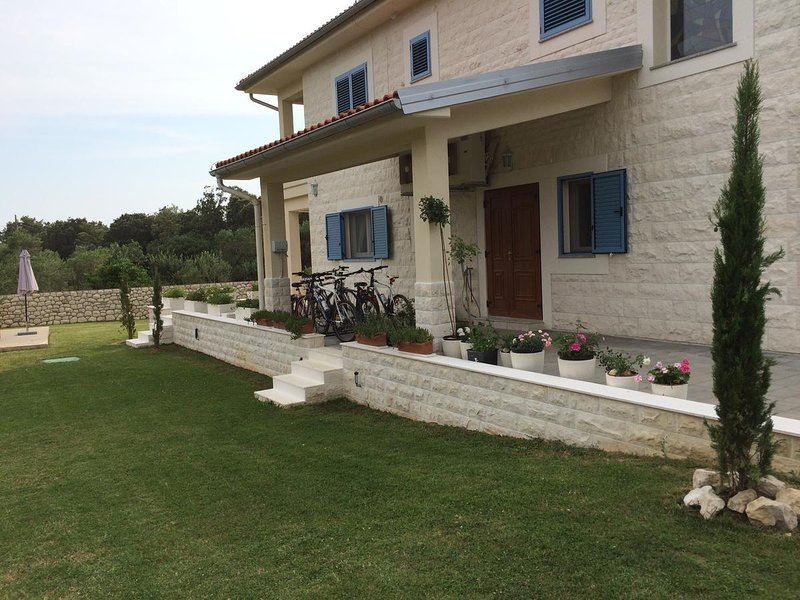 Villa with pool for rent, Rab island