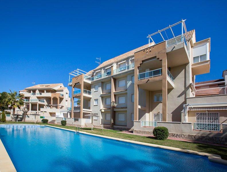 Urbanización con piscina