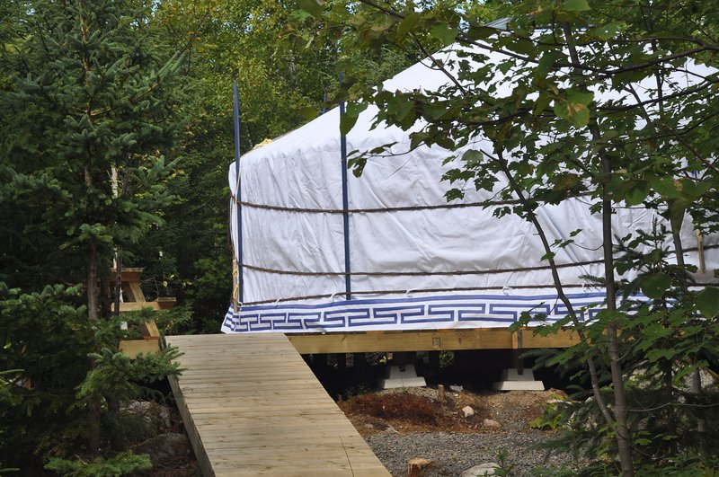 The White Moon Yurt at Cabot Shores, alquiler de vacaciones en North Shore