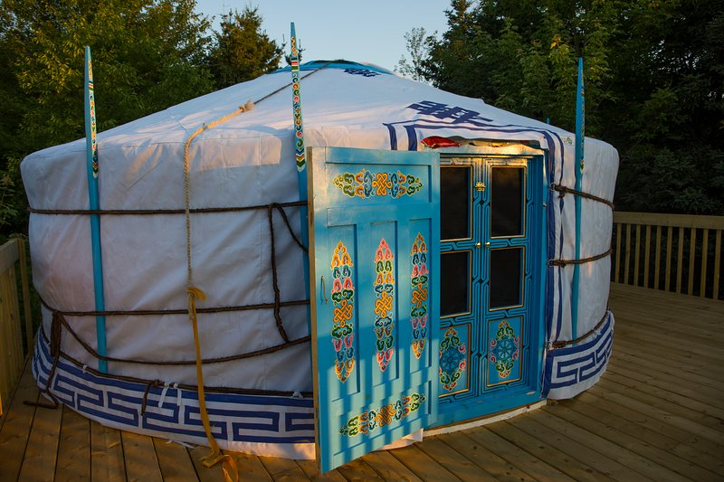 The Big Sky Blue Yurt at Cabot Shores, vakantiewoning in Sydney